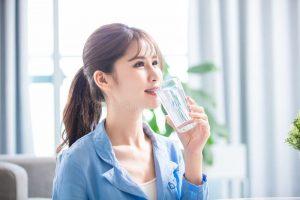 水を飲むと健康にいいのは本当?